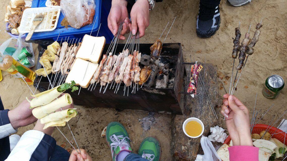 团队烧烤图片素材